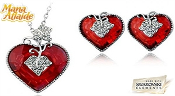 2013 gada sezonas jaunums ar ierobežotu tirāžu! Komplekts (kulons + auskari) izpildīts sirds veidā no veseliem Swarovski Elements™ kristāliem.