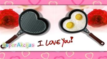 Romantiskām brokastīm! Panna ar nepiedegošo pārklājumu sirds formā!
