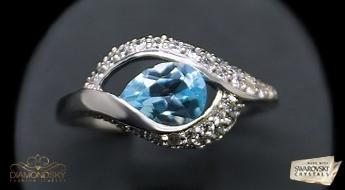"""Apburošs sudraba gredzens """"Amēlija"""" ar noslēpumainu rakstu no dabīga topāza, kurš sver 1.50 karātu."""