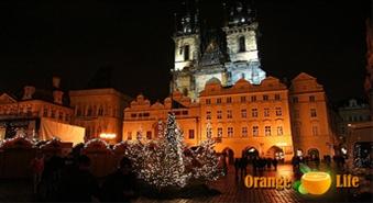 Neaizmirstamas brīvdienas Prāgā ar Varšavas un Kauņas apmeklējumu. Aizraujošs brauciens Ziemassvētku noskaņā uz Prāgu pa apbrīnojami zemu cenu, tikai par 59.90 LVL. Izbraukšana no Rīgas 23. decembrī (pa ceļam uz Prāgu Varšavas apmeklējums, pa ceļam no Prāgas Kauņas apmeklējums)!