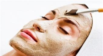 Intensīva ādas attīrīšana ar komedonu ekstrakciju un ārstniecisko masku salonā Mariposa!