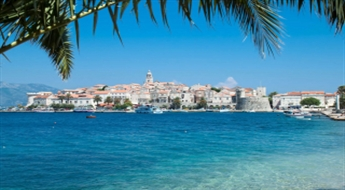 Horvātija - Pirmie siltie saules stari Trogiras rivjērā