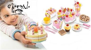 Spilgta , krāsaina rotaļlieta - svētku kūka. Rozā vai zilā krāsas