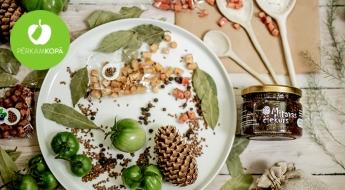 RADĪTS LATVIJĀ! Veselīgais priežu čiekuru vai pumpuru sīrups, ievārījumi ar medu un dažādi našķi komplektos